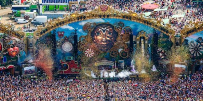 Tomorrowland aus der Ego-Perspektive